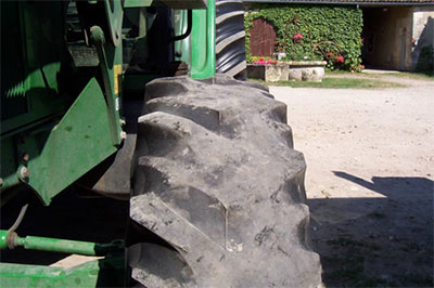 Starker Verschleiß, glatter Reifen