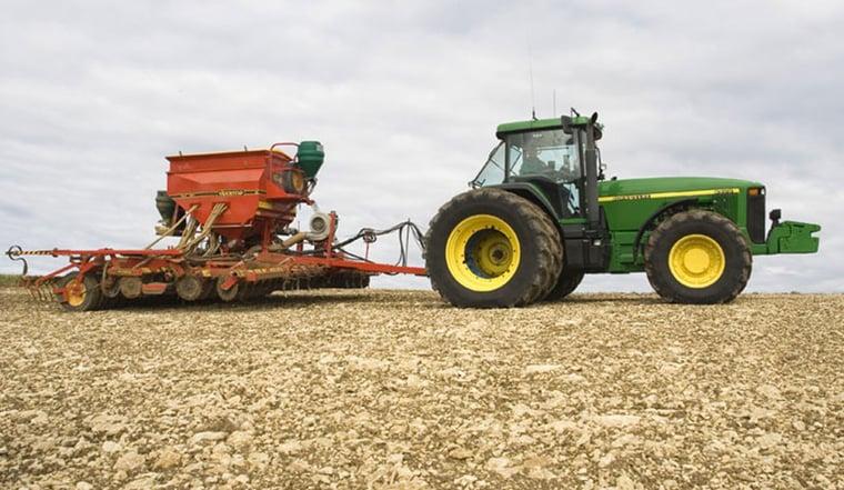Zwillingsbereifung am Traktor für höhere Produktivität
